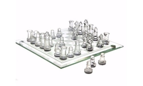 Top-9-Best-Glass-Chess-Sets